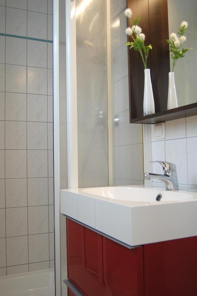 ferienhaus schneckenhaus ferienh user ostseebad ahrenshoop unterk nfte. Black Bedroom Furniture Sets. Home Design Ideas